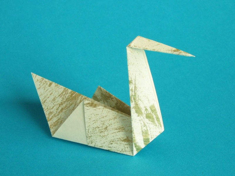 Step By Step Instructions On How To Make Origami, Swan Parent ... | 600x800