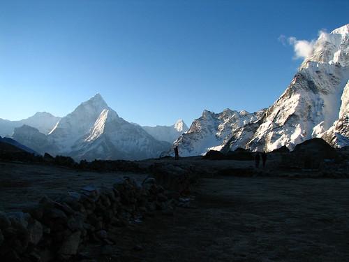 nepal trek solukhumbu silhouette mountains sunrise dzongla geotagged geo:lat=2794149116247464 geo:lon=8677395473167047 sagarmatha everestregion