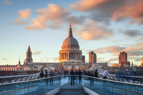 cathedral sunset london landscape landscapes landscapephotography landmark landmarks bridge city cityscape england canon eos80d eos cloud clouds longexposure longexposures longexposurephotography outdoor