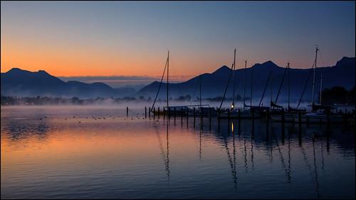 chiemsee sonnenaufgang sunrise segelboote alpen alpes harras prien see stille nebel bayern bavaria