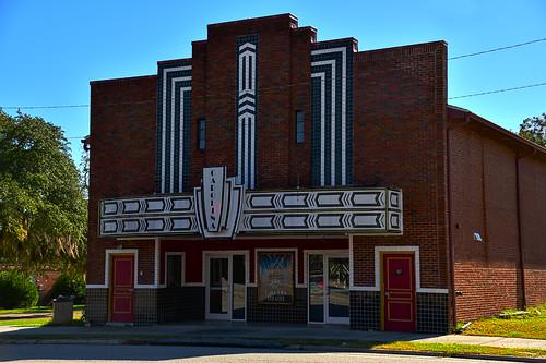 arthurpettyjr butchpetty southcarolina carolina theater movie house cinima old historic fairfax