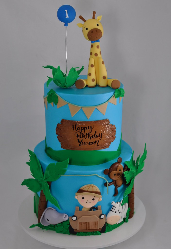 Surprising Safari Themed Birthday Cake A Photo On Flickriver Funny Birthday Cards Online Chimdamsfinfo