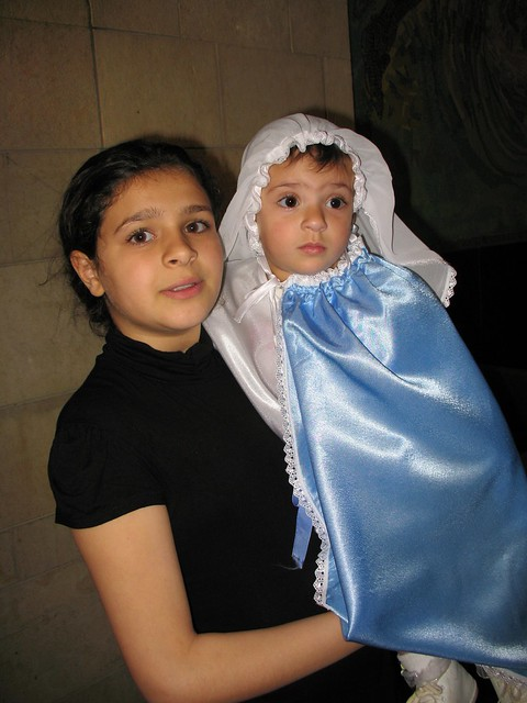 Girl dressed up as Mary_0778