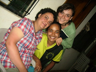 Valeria con dos chicas de España