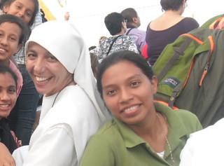 Mayra y la hermana Esthela