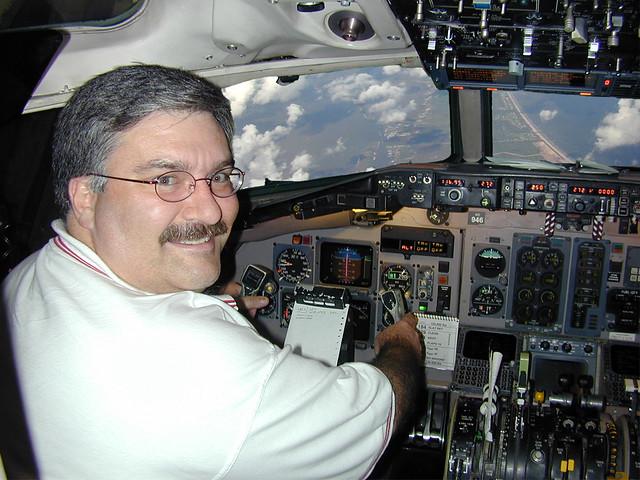 Kevin Flies an MD-88!