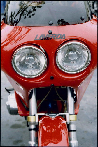 view santabarbara motorcycle motorcycleshow laverda red leica m2 california film headlights classic