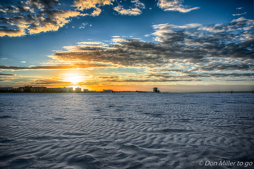 sunshine morning sand siestabeach 3xp hdrphotography sunrise onawalk beachlife outdoors hdr goldenhour d810 sky florida
