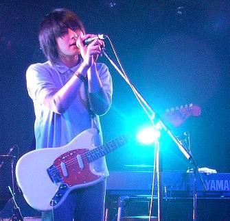 1976 鼓手大師兄在東京組的 Radiohead 風樂團 quizmaster