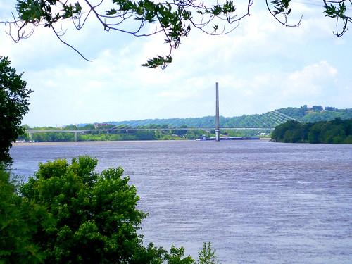trees ohio river landscape scenery huntington wv ohioriver huntingtonwv rcvernors 31thstreetbridge