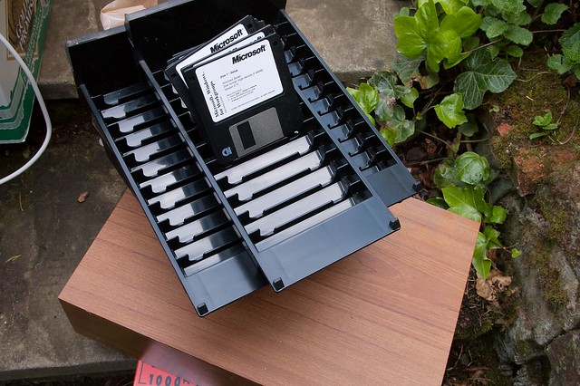 imgp8885 - Tape Box And Windows 3.11