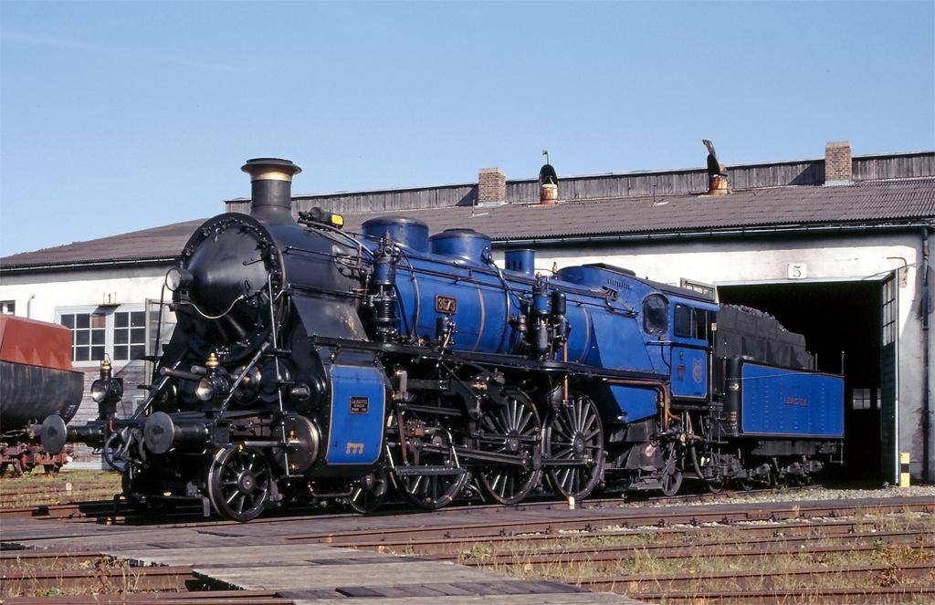 S3/6 blue
