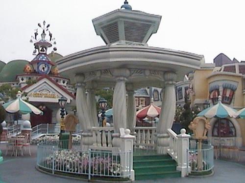 3Dlc, Bandstand, Toontown City Hall, Toon Town, Disneyland®, Anaheim, California, 2008.06.28 09:57