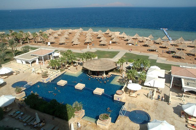 Beach and the main pool of Sheraton Sharm Resort