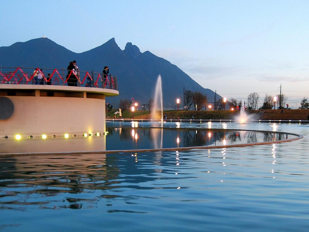 Paseo Santa Lucía es el río artificial más grande de Latinoamérica.
