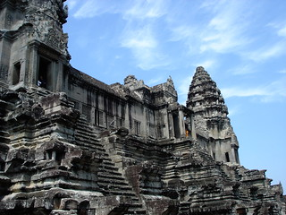 Angkor Wat | by @felixtriller