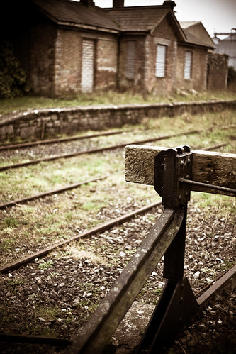 End of the Line   by rymus