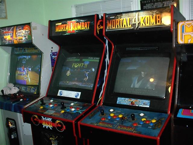 Mortal Kombat 2 and 4 (on) | These are my Mortal Kombat cabi