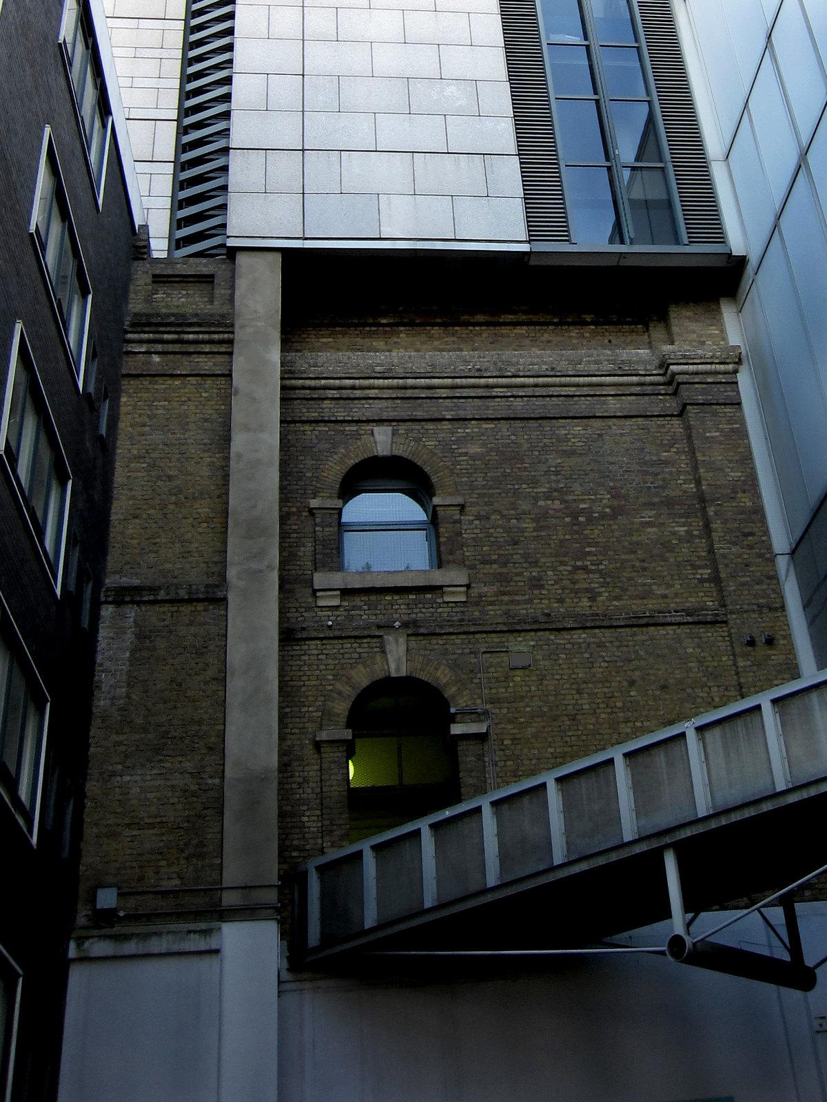 London 087