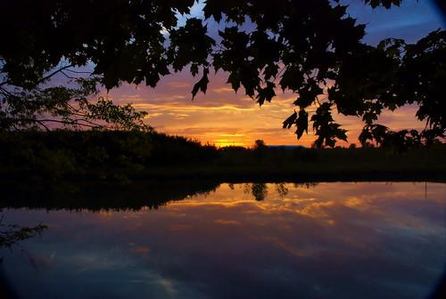 sunset colors clouds reflections river nikon wellandport wellandriver d80 nikond80 holidaysvacanzeurlaub wowiekazowie superhearts flickrphotoaward