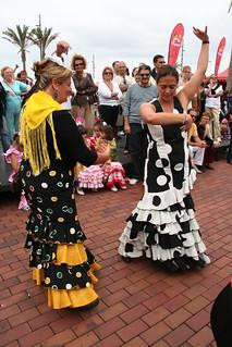 Bailando por sevillanas Feria de abril en Las Palmas de Gran Canaria