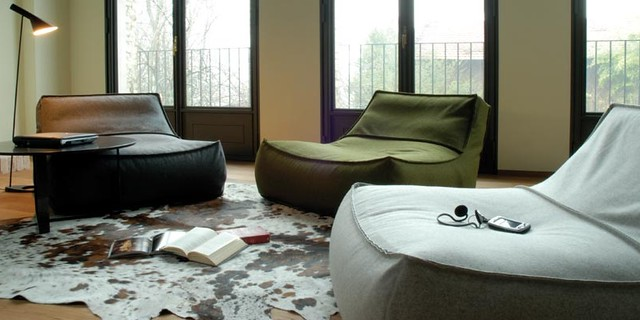 Pleasing Zoe Lounge Chair Featured On Guest Blog 2Modern Blogs Com Dailytribune Chair Design For Home Dailytribuneorg