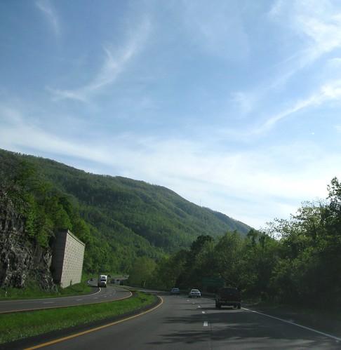 road vacation mountains virginia roadtrip americana interstate 2008 turns i64 twists alleghenymountains westernvirginia