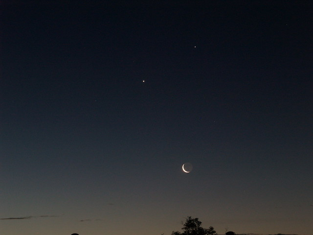 Moon, Venus and Jupiter in the morning sky 02.04.2008