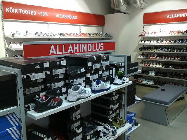bde1e5b44a1 Adidas ja Reebok Tehasepoed | Tammsaare teel Tondi Selveri j… | Flickr