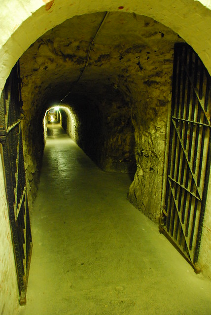 Tunnels (1)