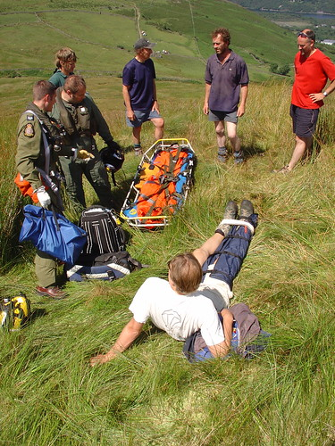 Tue, 12/07/2005 - 14:15 - Gehart and his rescuers, Pic - Pete Bursnall