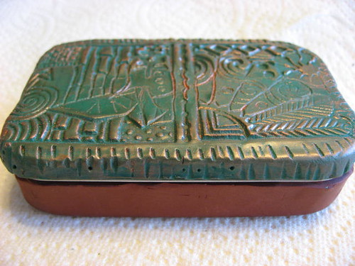 Sewing box - recycled tin | by NEMetamorphosis