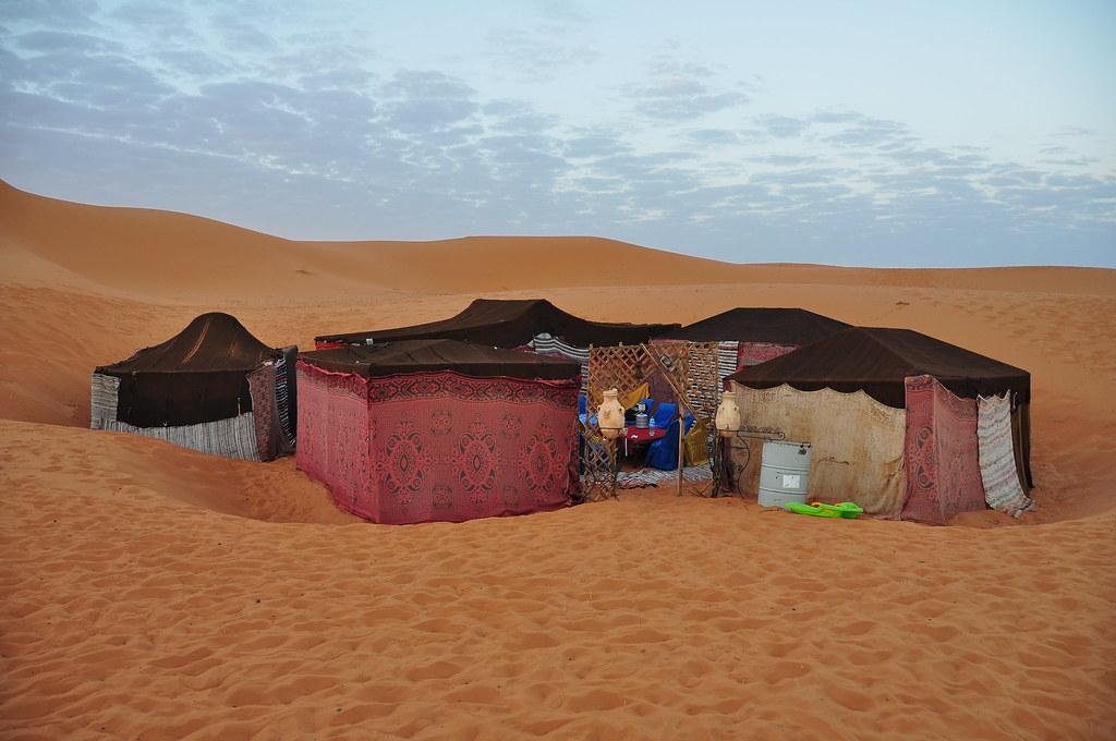 Sahara desert night camp at dawn   Erg Chebbi desert night ...