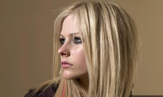 Avril Lavigne 1280x768 058