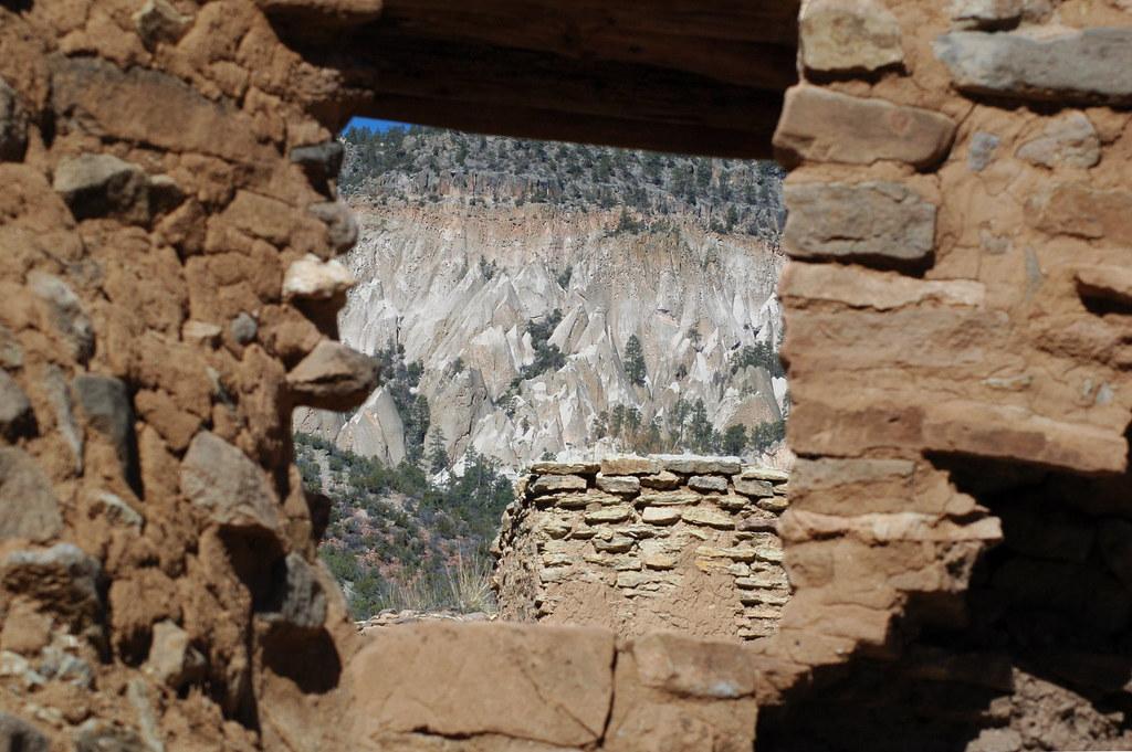 Window at Giusewa by fangars
