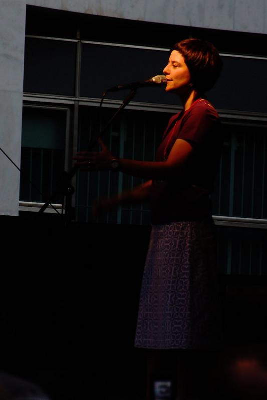 Fernanda Takai, palco das Meninas - virada cultural