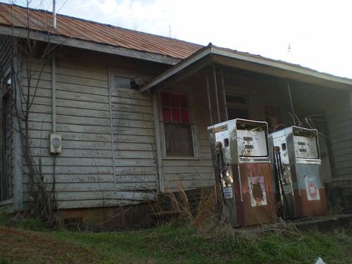 abandoned georgia shacks union76 thedeepsouth abandonedgasstations oldgasstations oldgaspumps zebulonga oldrelics pikecountyga oldgeorgiatowns