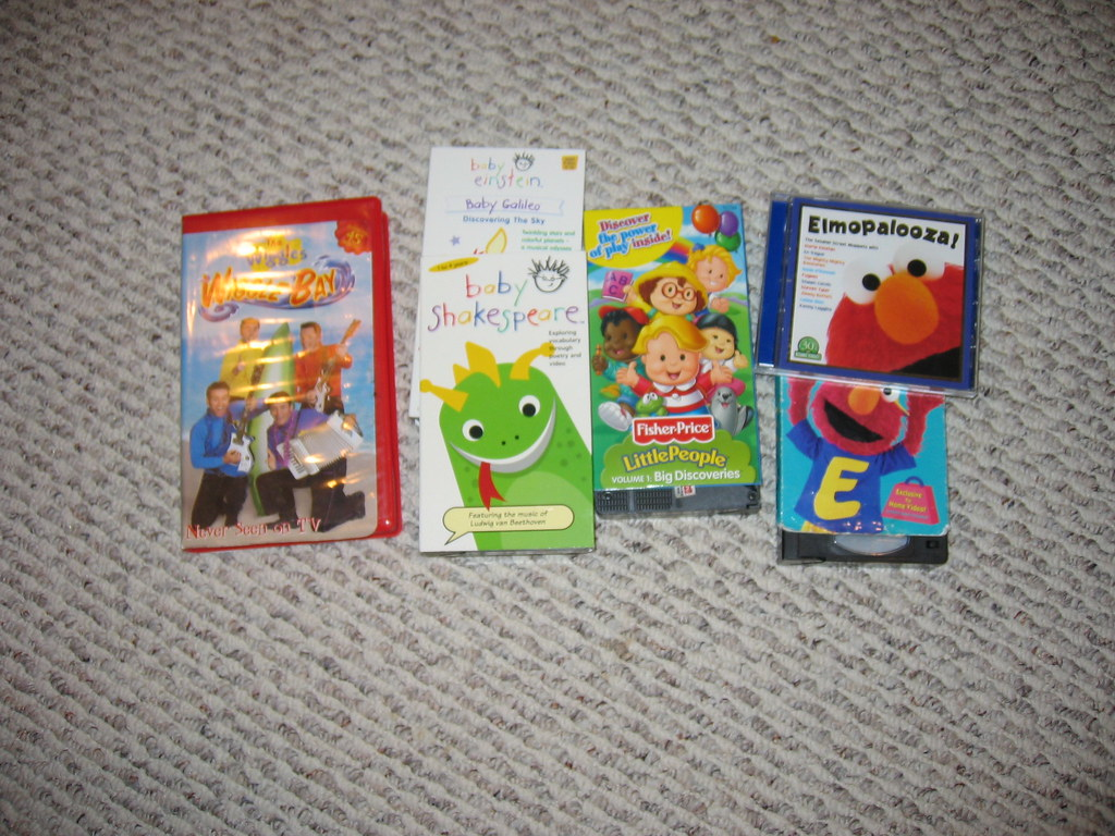 Childrens VHS/CDs | Fisher Price Little People Big Discoveri