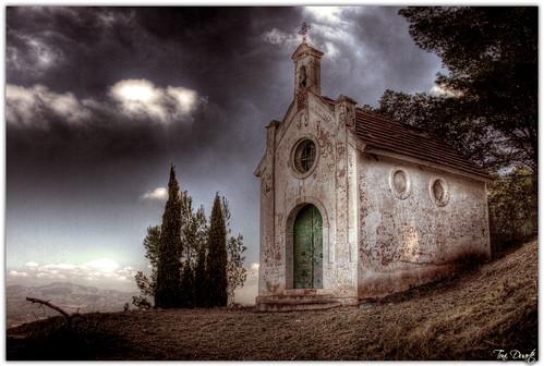 Ermita al coll de Barraix.