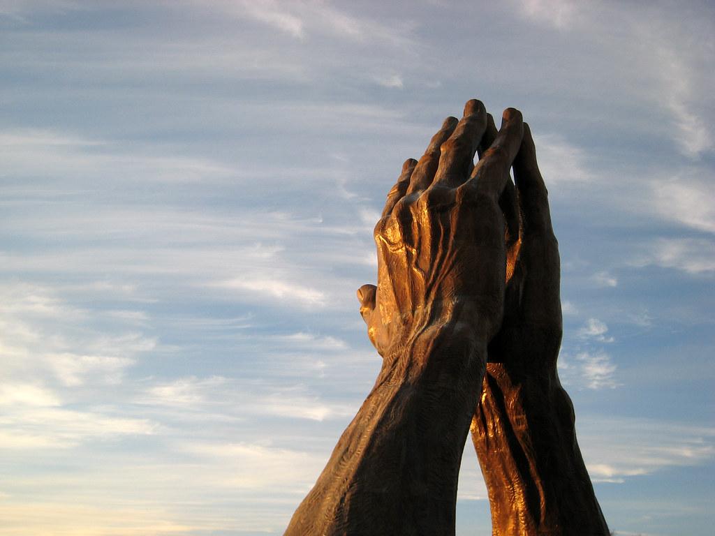 Praying Hands | Praying Hands, a 30 ton 60 ft tall bronze st… | Flickr