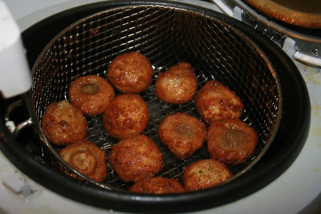 Fried Mushrooms 05.12.08_0007.JPG