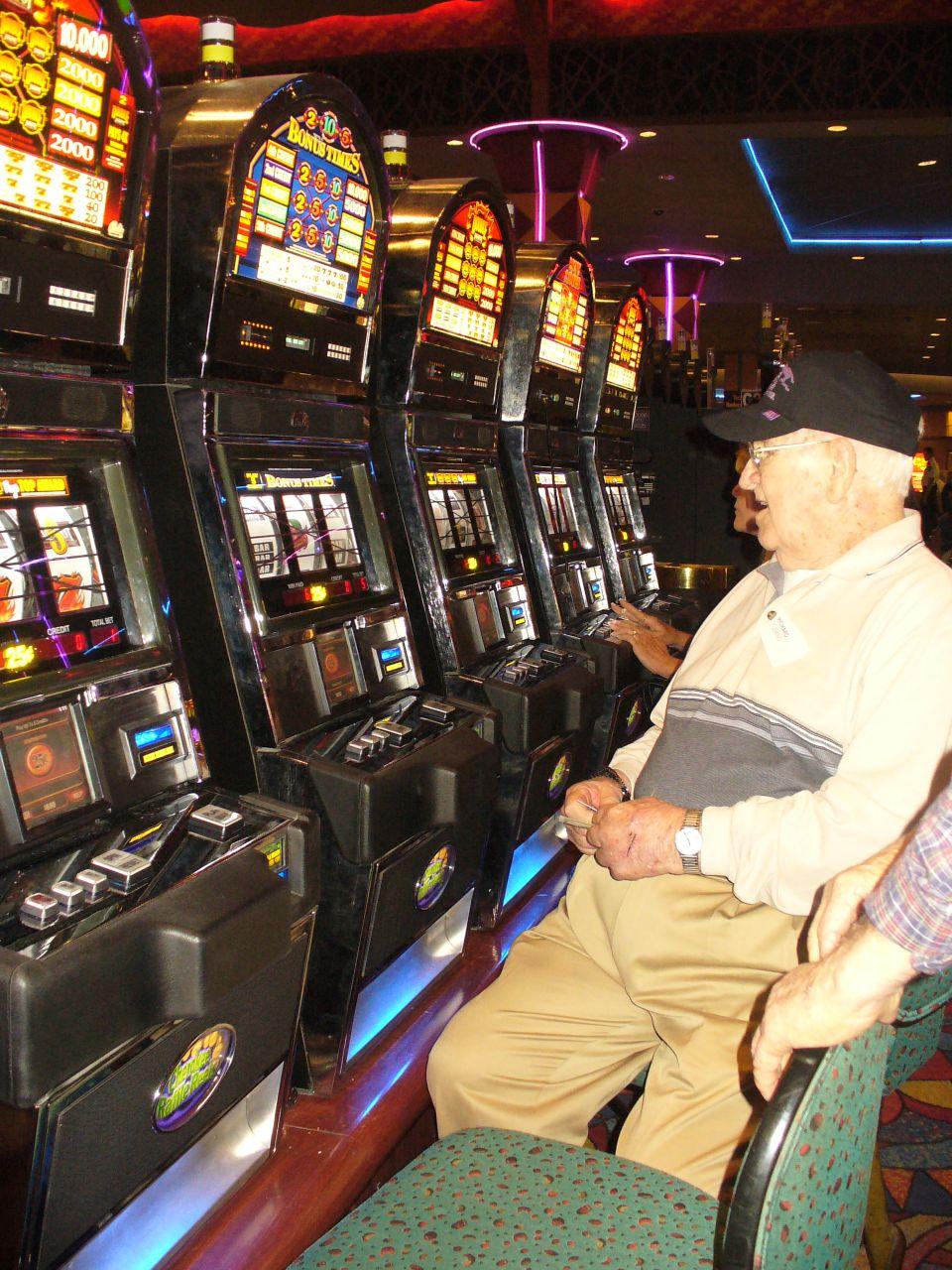 паутина казино онлайн касса
