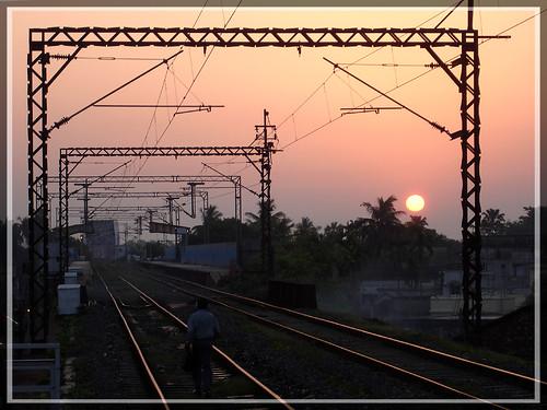 pink sun india station train sunrise dawn darkness joy tracks rail railway wires electricity bengal hooghly sugata banerji joyforever sugatabanerji hooghlyghat