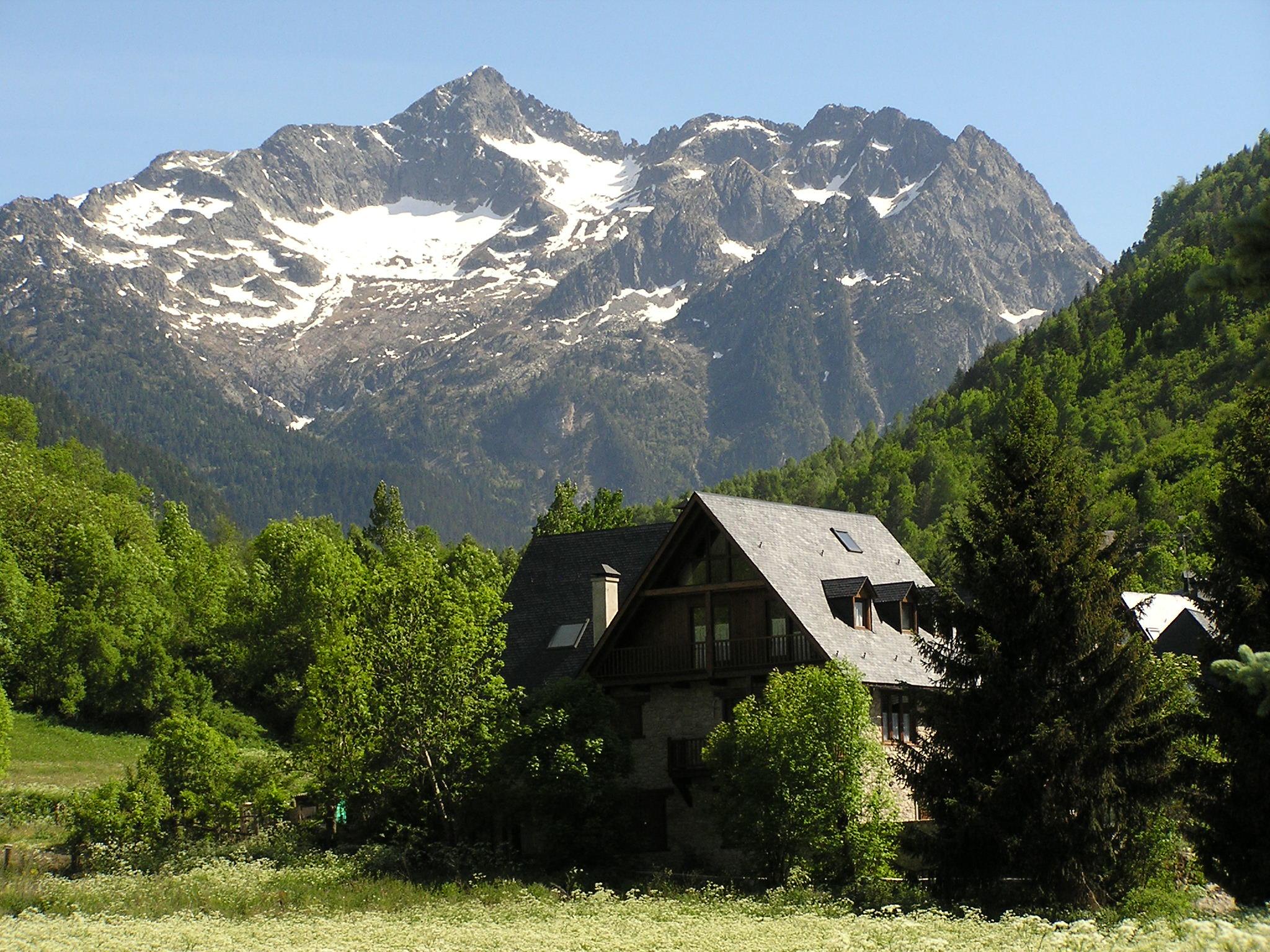 Arties Lerida Pirineos Valle de Aran