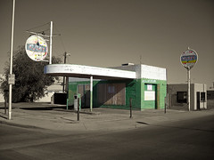 Signal Gas Station | by Roadsidepictures