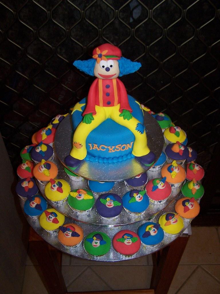 Groovy Clown First Birthday Cake Sandra Socake Flickr Funny Birthday Cards Online Inifodamsfinfo