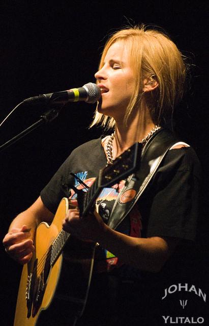 Lisa Miskovsky (3)