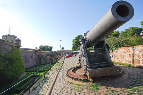 cannon guarding Montjuic | by maveric2003