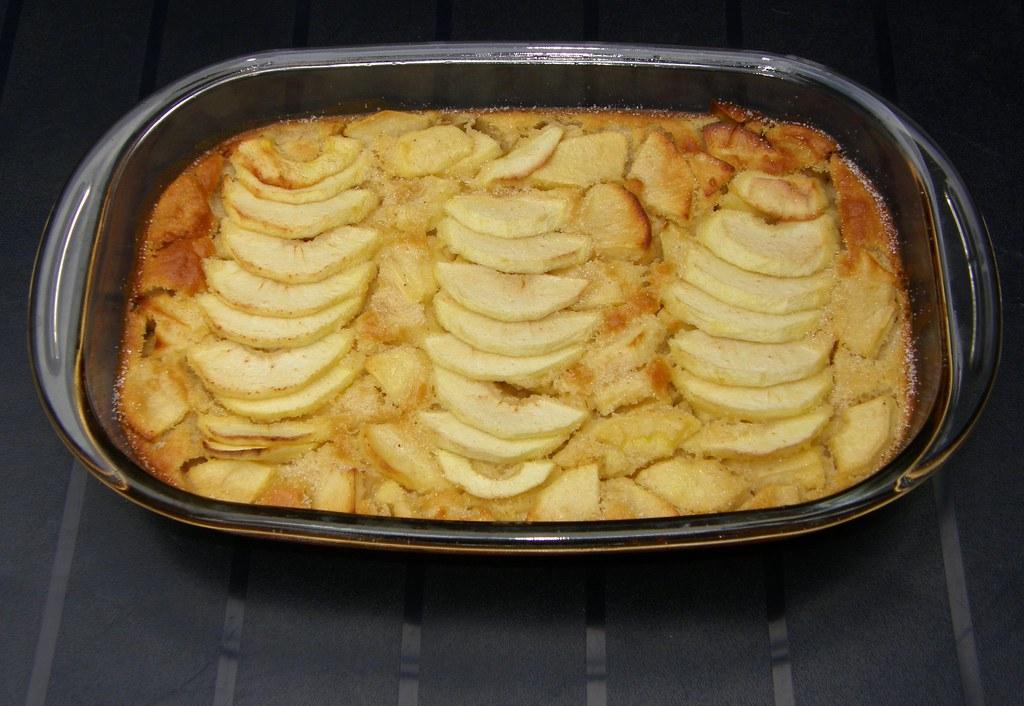 apple clafoutis