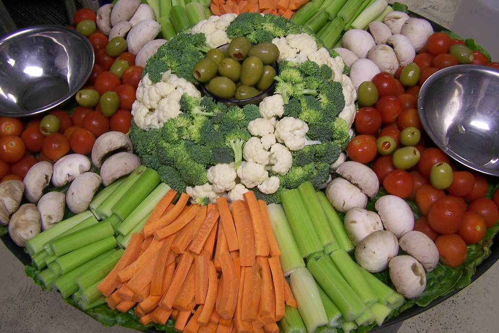 Miraculous Veggie Tray Veggie Tray For 30 People D A K Photography Beutiful Home Inspiration Aditmahrainfo